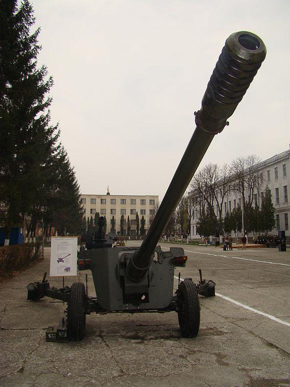 3-100-anti-tank-gun-m1977.jpg