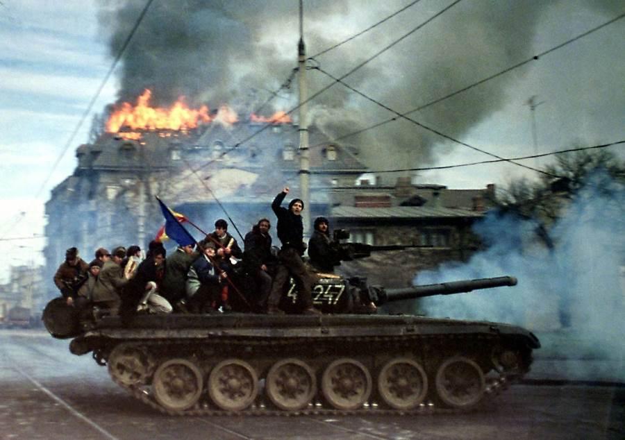 Non-Russian Μilitary multimedia thread: - Page 8 Romanian-revolution-19891