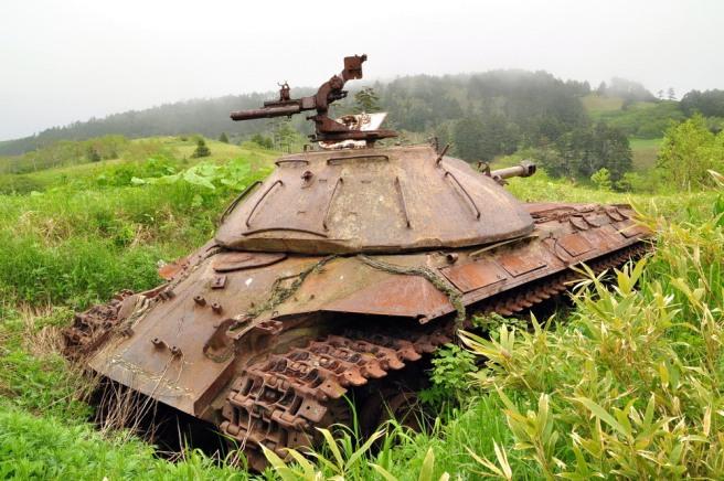 abandoned-tanks-shikotan-island-sakhalin-russia-3