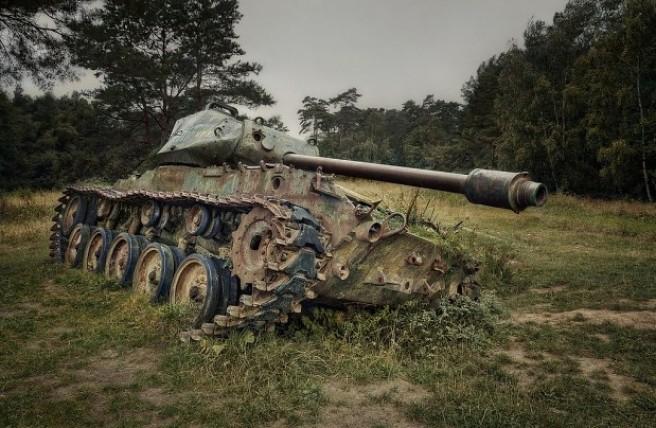 m41-walker-bulldog-tank-abandoned