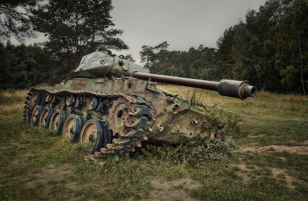 m41-walker-bulldog-tank-abandoned